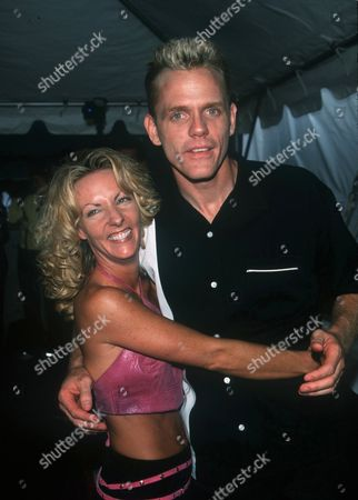 """05/18/00 New York City FOX TV presents their Fall 2000 line-up. Christopher Titus from """"Titus"""" with wife Erin. Photo by ®Evan Agostini / BEI BEI-AE"""