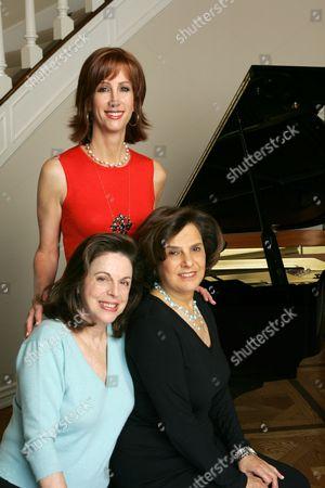Jamie McGurk, Wendy Goldberg and Susan Dolgen