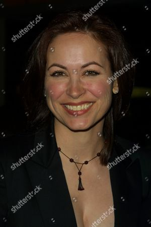 """Linda Eder at the after-party celebrating the opening night performance of """"Into the Woods"""" at the Toys 'R' Us Times Square Store in New York City on April 30, 2002.  Manhattan, New York  Photo® Matt Baron/BEI"""