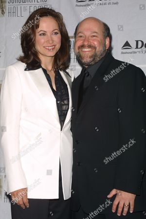 Stock Photo of Linda Eder and husband at the 33rd Annual Songwriters Hall of Fame Awards Induction at the New York Sheraton Hotel in New York City on June 13, 2002.  Manhattan, New York  Photo® Matt Baron/BEI