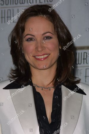 Linda Eder at the 33rd Annual Songwriters Hall of Fame Awards Induction at the New York Sheraton Hotel in New York City on June 13, 2002.  Manhattan, New York  Photo® Matt Baron/BEI
