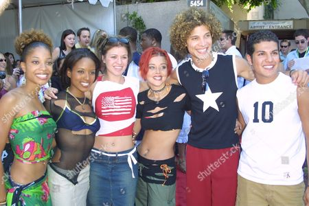 """""""American Idol"""" finalists (from left to right) Tamyra Gray, Christina Christian, Kelly Clarkson, Nikki McKibbin, Justin Guarini and R.J. Helton at the 2002 Teen Choice Awards at the Universal City Amphitheatre in Universal City, California on August 4, 2002.  Universal City, California  Photo® Matt Baron/BEImages.net"""