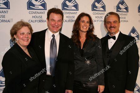 Patricia Cruise, Robert Wuhl, Elizabeth Callendar, George Lozano