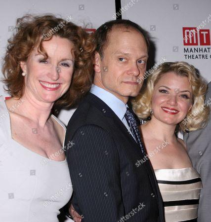Lisa Barnes, David Hyde Pierce, Mary Catherine Garrison