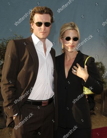 Stock Picture of Dean McDermott and Mary Jo Eustace