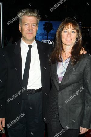 """David Lynch and girlfriend Mary Sweeney arriving to the New York Film Festival premiere of """"Mulholland Drive"""" at Alice Tully Hall, Lincoln Center in New York City on October 6, 2001.  Manhattan, New York  Photo® Matt Baron/BEI"""