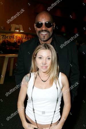 Ken Foree and Elizabeth Daily