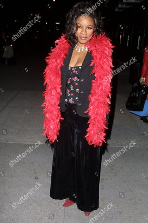 Singer Denyce Graves arriving to the after-party celebrating the Harlem V-Day 2002 Performance at Columbia Law School in Harlem, New York City on March 30, 2002.  Manhattan, New York  Photo® Matt Baron/BEI