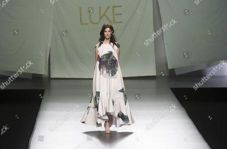 Amanda Moreno on catwalk