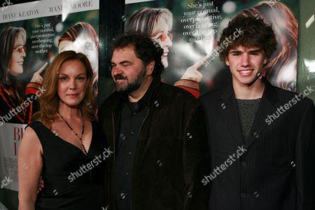 Elizabeth Perkins, Julio Macat & son Max