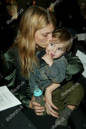 Angela Lindvall and son