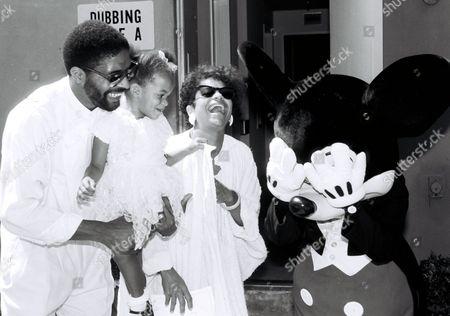 Norman Nixon, Debbie Allen and daughter Vivian Nixon