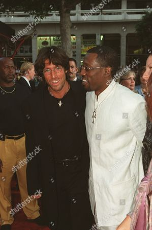 """8/23/00 Hollywood, CA Wesley Snipes with director Christian Duguay at the World Premiere of the Warner Bros. Pictures """"The Art Of War"""" at the Mann's Chinese Theatre in Hollywood. Photo®Alex Berliner/BEI A008291-30"""