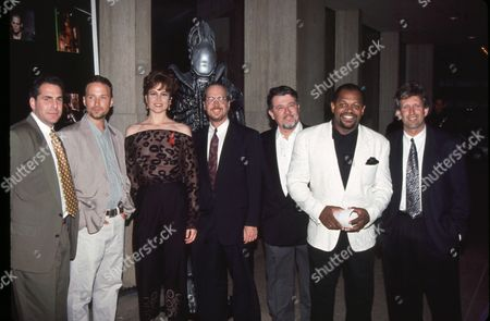 Stock Image of Sigourney Weaver, Charles Dutton and others