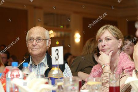 Norman Lear and Lyn Davis