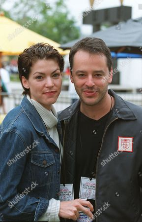 Rya Kihlstedt and Gil Bellows