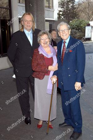 Rick Wakeman and Bob Holness with wife