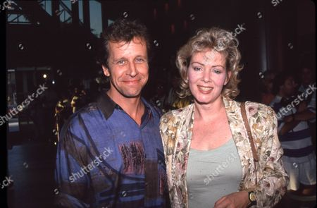Richard Gilliland and Jean Smart