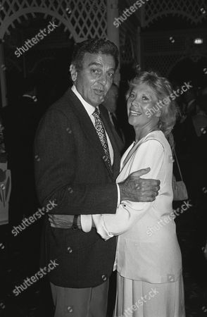 Mike Connors and Dinah Shore