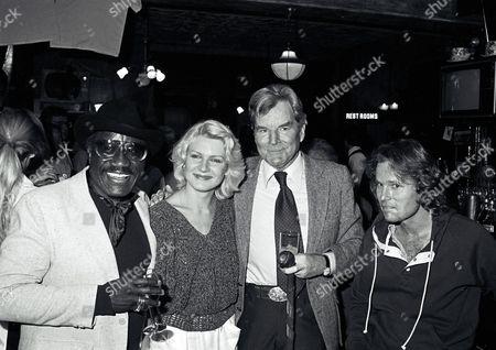 Bill Henderson, Diana Scarwid, Bert Remsen, and John Savage