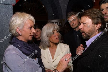 2-26-01 Los Angeles, CA