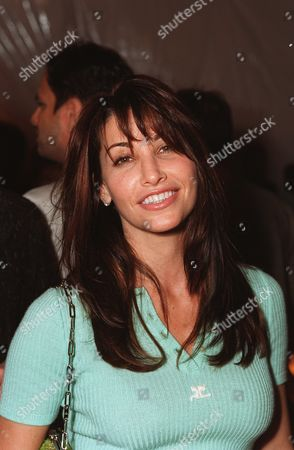 """20000621  Beverly Hills, CA Gina Gershon at the Harper's BAZAAR """"Who's Who in July"""" party and dinner hosted by Harper's BAZAAR Editor-in-Chief Kate Betts and held at Mr. Chow's. Photo®Alex Berliner/BEI     A006199-4"""