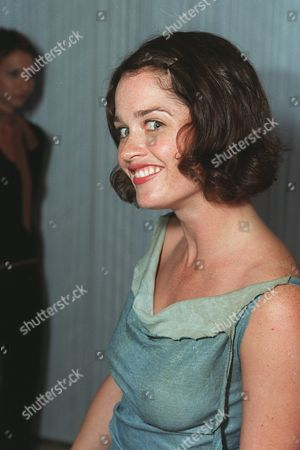 """20000621  Beverly Hills, CA Robin Tunney at the Harper's BAZAAR """"Who's Who in July"""" party and dinner hosted by Harper's BAZAAR Editor-in-Chief Kate Betts and held at Mr. Chow's. Photo®Alex Berliner/BEI      A006182-30"""