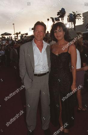 Peter Strauss and Rachel Ticotin