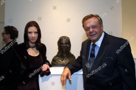 Stephanie Wyss, Paul Sorvino