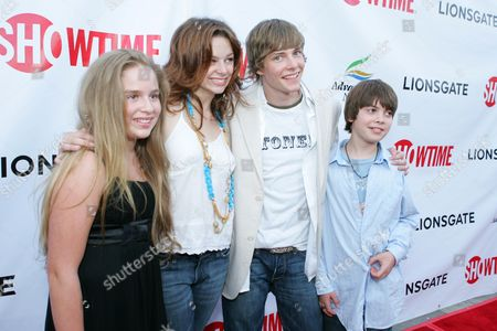 Ali Grant, Joy Lauren, Hunter Parrish and Alexander Gould