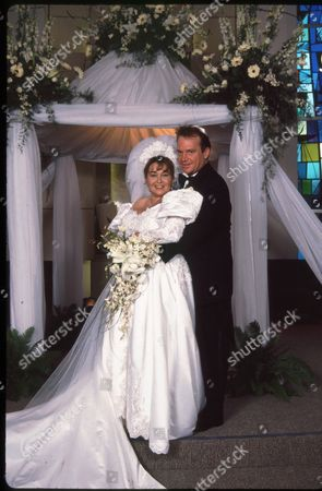 Stock Image of Roseanne Barr and Tom Arnold Wedding