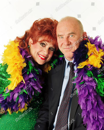 CLIVE JAMES AND MARGARITA PRACATAN ON 'THE CLIVE JAMES SHOW' - 1997
