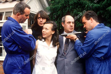 MICHAEL ATTWELL, NEIL MORRISSEY, JENNY AGUTTER AND DAVID DAKER IN 'BOON' - 1991