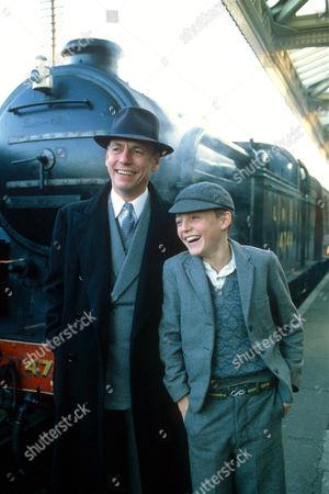 Kenneth Cranham and Lee Whitlock in 'Shine on Harvey Moon'