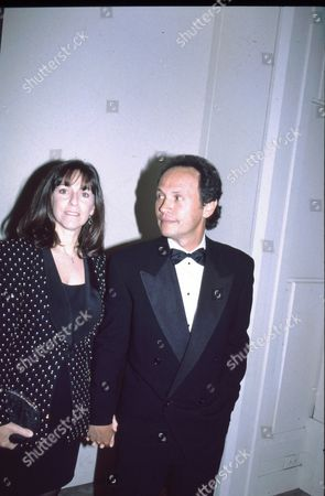 Billy Crystal and wife Janice Goldfinger
