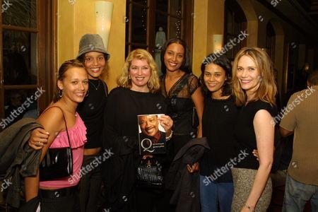 Rashida Jones Sydney Joanna and Anika Poitier Kidada Jones and