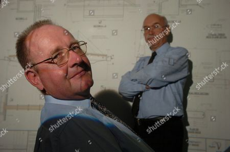 HYDER CONSULTING PLC - Chief Executive Tim Wade [ left ] with finance Director Simon Hamilton-Eddy ( right ) - 2004