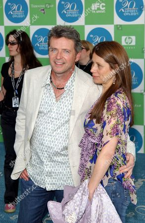 Aidan Quinn with his wife Elizabeth Bracco