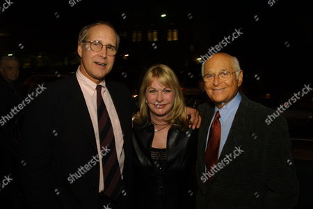 Chevy chase Lyn Davis and husband Norman Lear