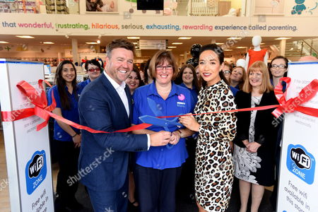 Myleene Klass opening the new store with Mothercare Chief Executive, Mark Newton-Jones and Mothercare staff member, Tamsin Larwood