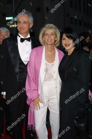 Family Ties stars Michael Gross Meredith Baxter and Tina Yothers
