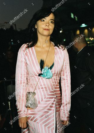 9-26-00 Los Angeles, CA 