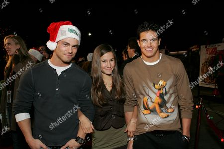 Robbie Amell, Melanie Tonello and Shawn Roberts