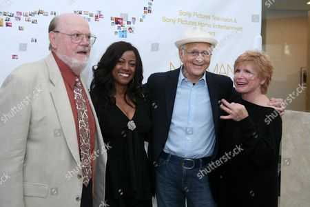 Ned Mortimer, Bernadette Stanis, Norman Lear and Bonnie Franklin