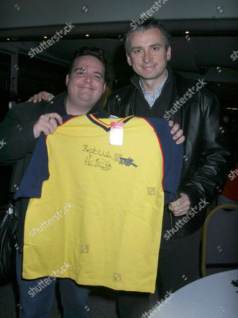 PHOTOGRAPHER JAMES CURLEY GETS A 1988-89 LEAGUE WINNING SHIRT SIGNED BY HIS IDOL Alan Smith