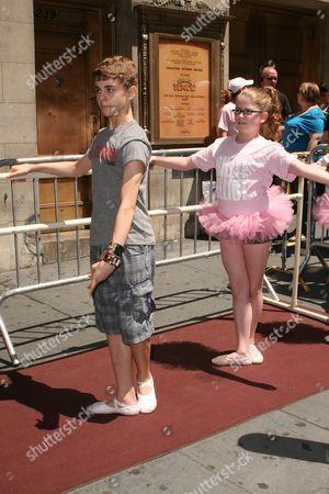 Michael Dameski, Billy Elliot Ballet Girls