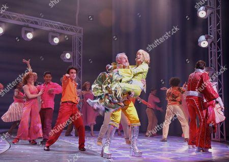 Editorial picture of 'Mamma Mia!' Musical 4,000th Performance Celebration, Winter Garden Theatre, New York, America - 31 May 2011