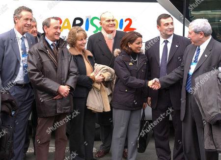 Guy Drut, Bertrand Delanoe (left), Nawal El Moutawakel, President of the Committee (centre), Jean Francois Lamour, Minister of Sports, Jean Paul Huchon, President of the Regional Council of the Ile de France (right)
