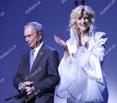 Michael Bloomberg, Lisa Brescia