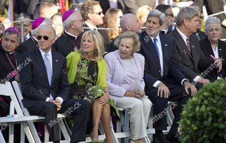 Vice President Joe Biden, Jill Biden and Mrs. Ethel Shakel Kennedy and US Secretary of State John Kerry